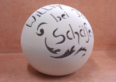 keramik-kugel-willkommen-schaefer