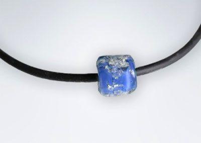 perlen-eckig-blau